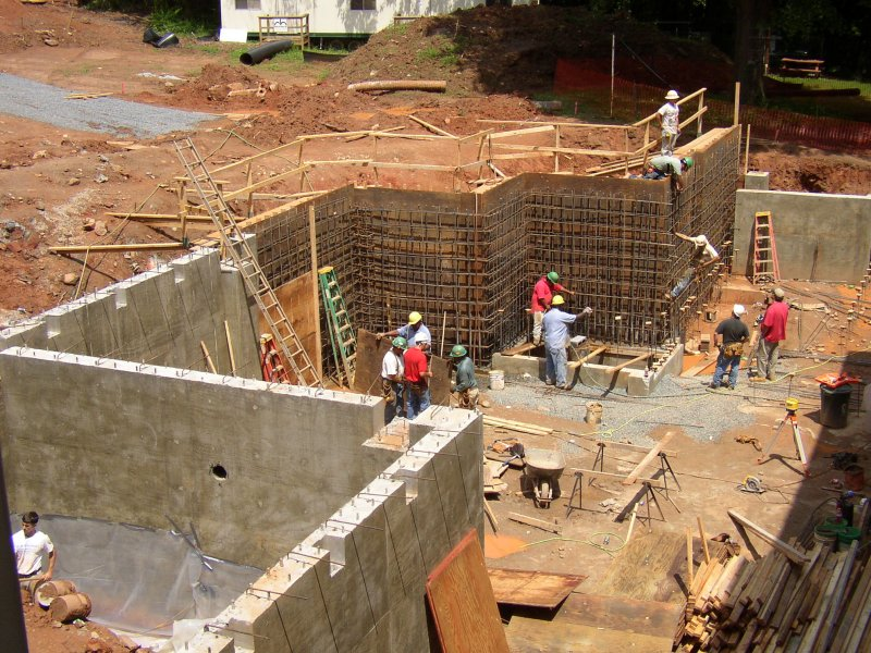 Safe and dry blog basement waterproofing finishing and for Building a basement foundation
